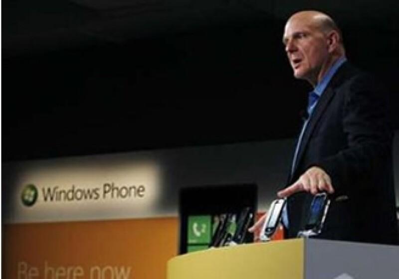Analistas señalan que un 'defecto' de Microsoft es su gran tamaño como corporativo, por lo que descartan grandes cambios en sus acciones. (Archivo)
