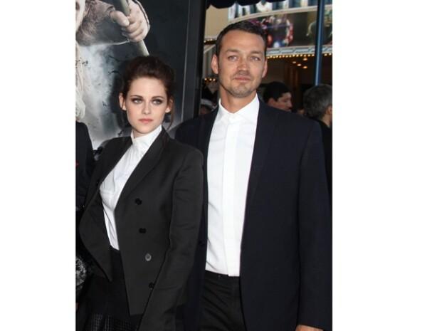 Rupert y Kristen durante la alfombra roja de la película `Blancanieves y el Cazador´.