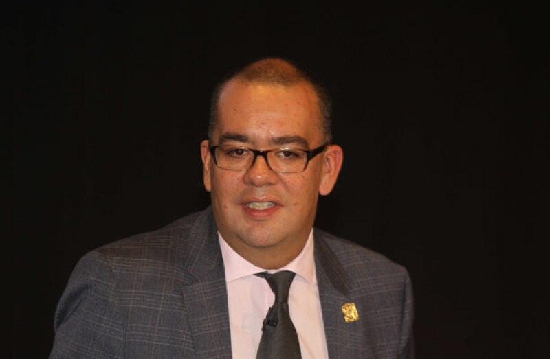 """El ex director de TV UNAM se negó a retractarse de su crítica hacia """"El Divo de Juárez"""" y sólo pidió disculpas por emitirla en un momento inoportuno."""