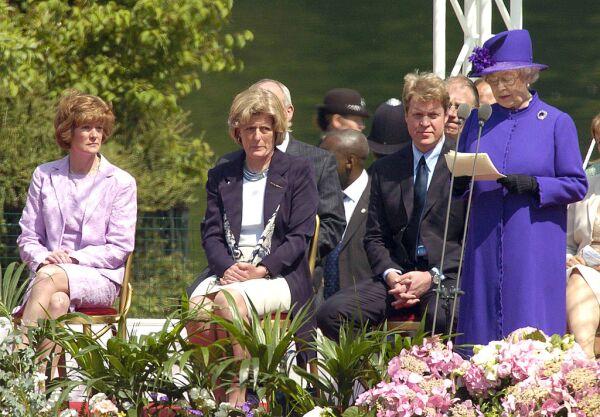 Lady Jane Fellowes y Lady Sarah McCorquodale