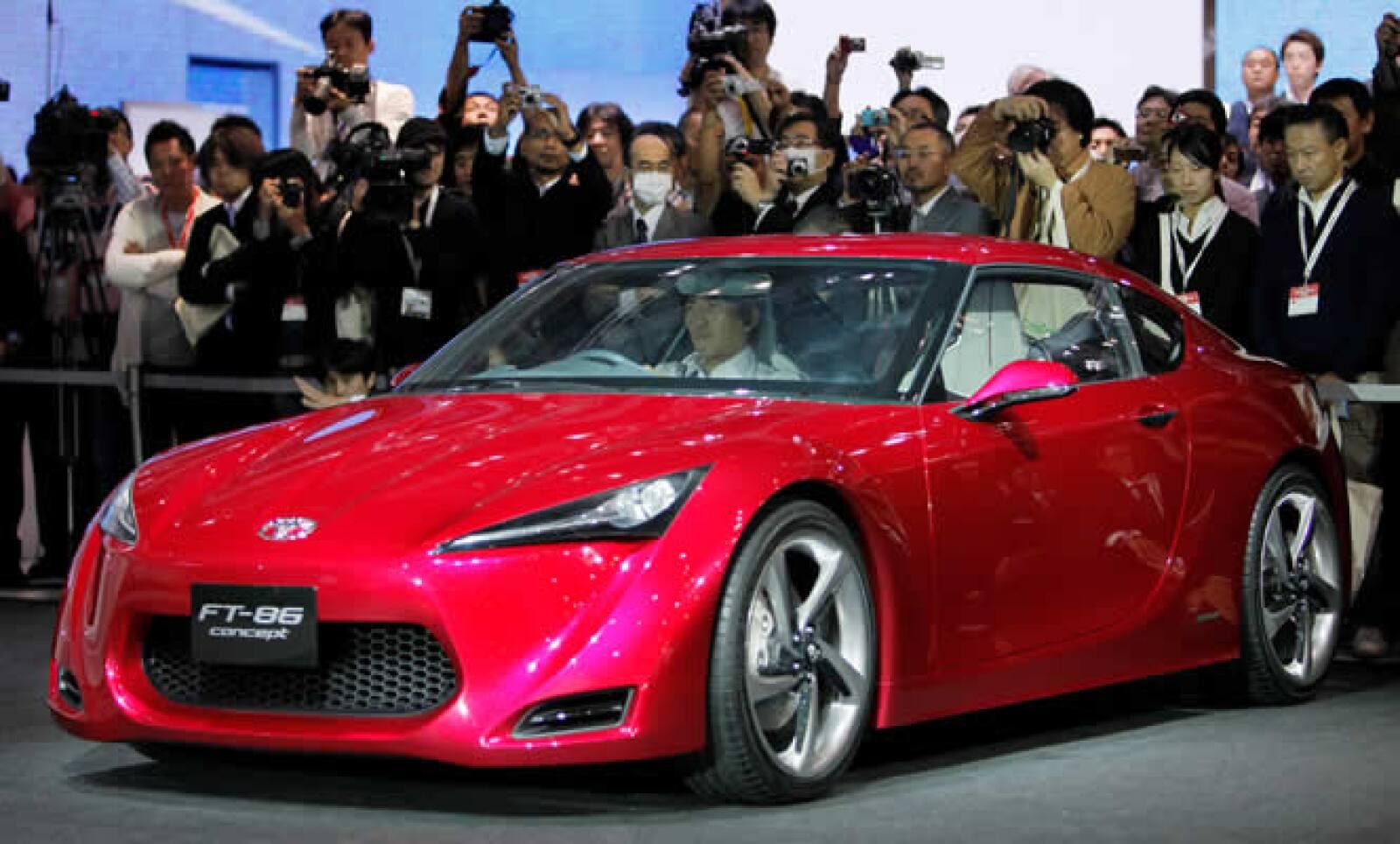 La firma automotriz distribuirá el modelo FT-86 a partir del 2011, contará con un motor de 2.0 litros de gasolina y además tendrá tracción trasera.