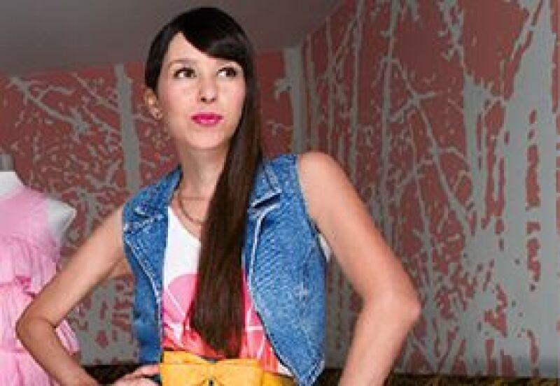 La vocalista de Belanova, la banda multinominada en los MTV Latinos, nos enseñó la ropa más significativa de su carrera y nos platicó en que se basó para crearla.