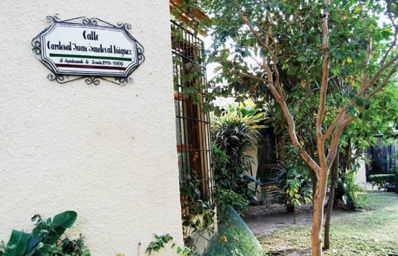 Juan Sandoval ya tiene una calle con su nombre, al menos en la casa que habita desde hace 14 años.