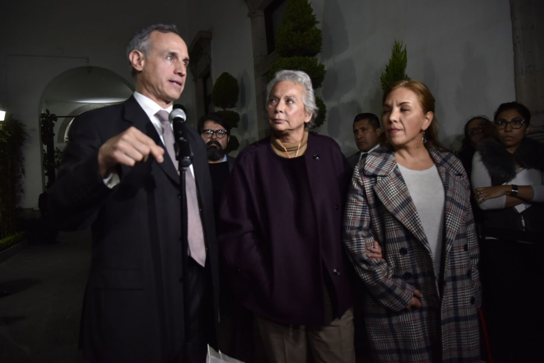 Hugo López-Gatell y Olga Sánchez