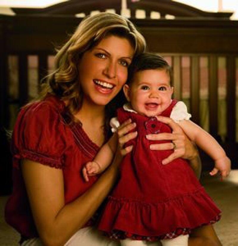 La nieta del ex presidente  nos mostró el guardarropa de Paulina, de 10 meses. Cuando la pequeña Pau nació, sus papás ya tenían todo preparado.