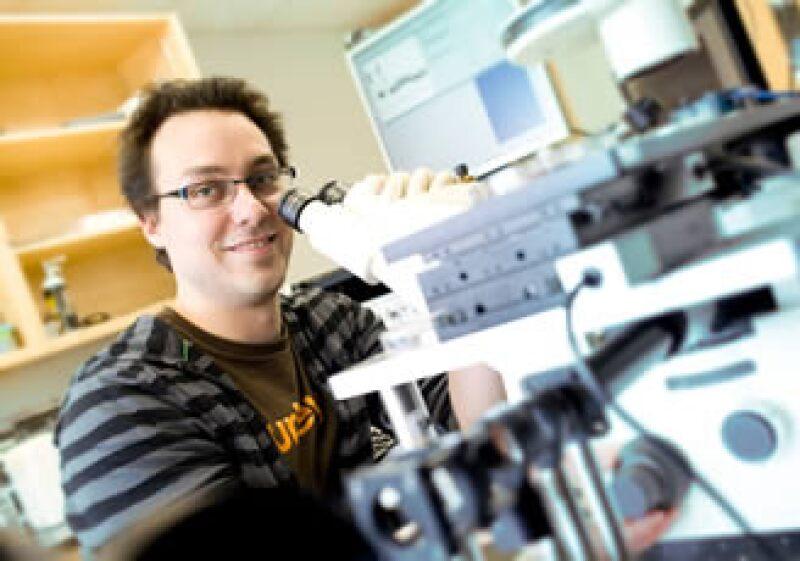 Québec ofrece la posibilidad de homologar los estudios profesionales para facilitar la búsqueda de empleo. (Foto: Especial)