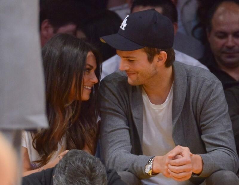 """Ahora que el actor ya se divorció de Demi Moore, desea volver a casarse sólo que ahora con su ex compañera de """"That´s 70 show"""",  Kunis."""