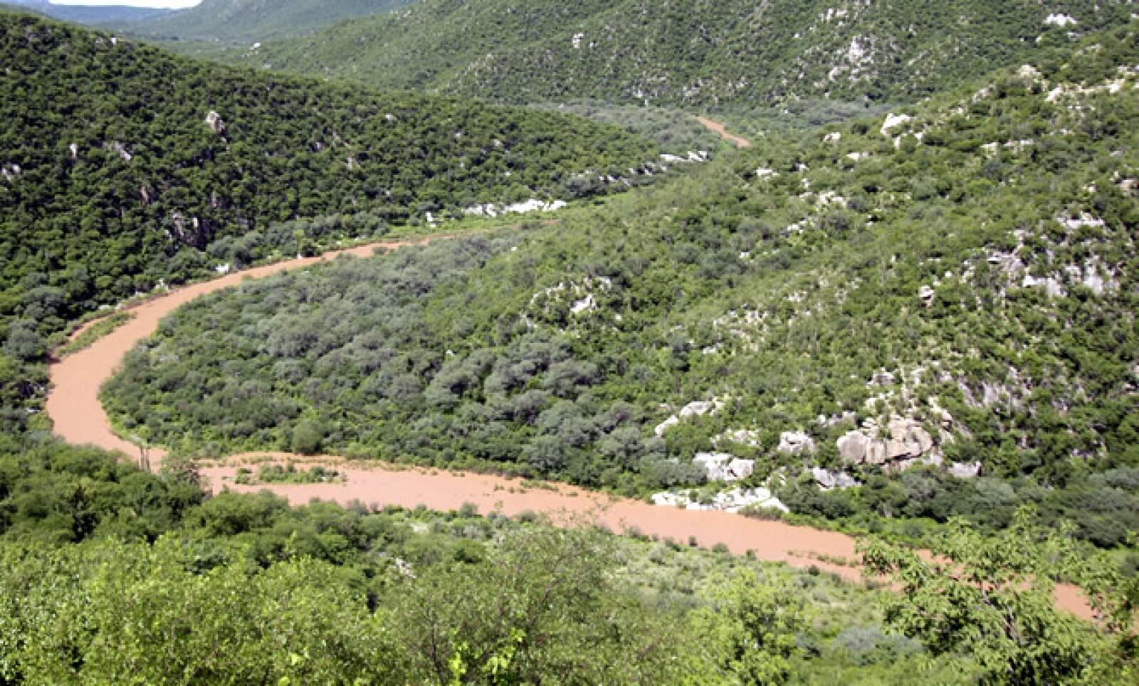 Según la empresa, las lluvias intensas causaron el derrame en la mina de Cananea, sin embargo autoridades rechazan esta justificación.
