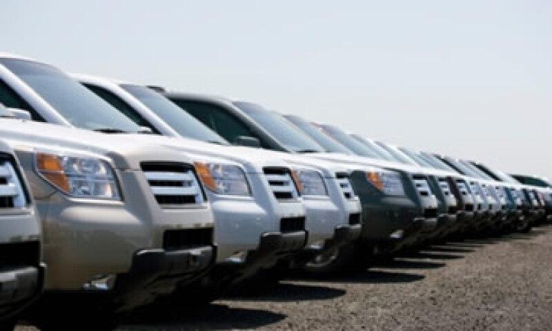 Los distribuidores elevaron su expectativa de crecimiento de ventas en el país de 870,000 vehículos a 890,000 este año. (Foto: Thinkstock)
