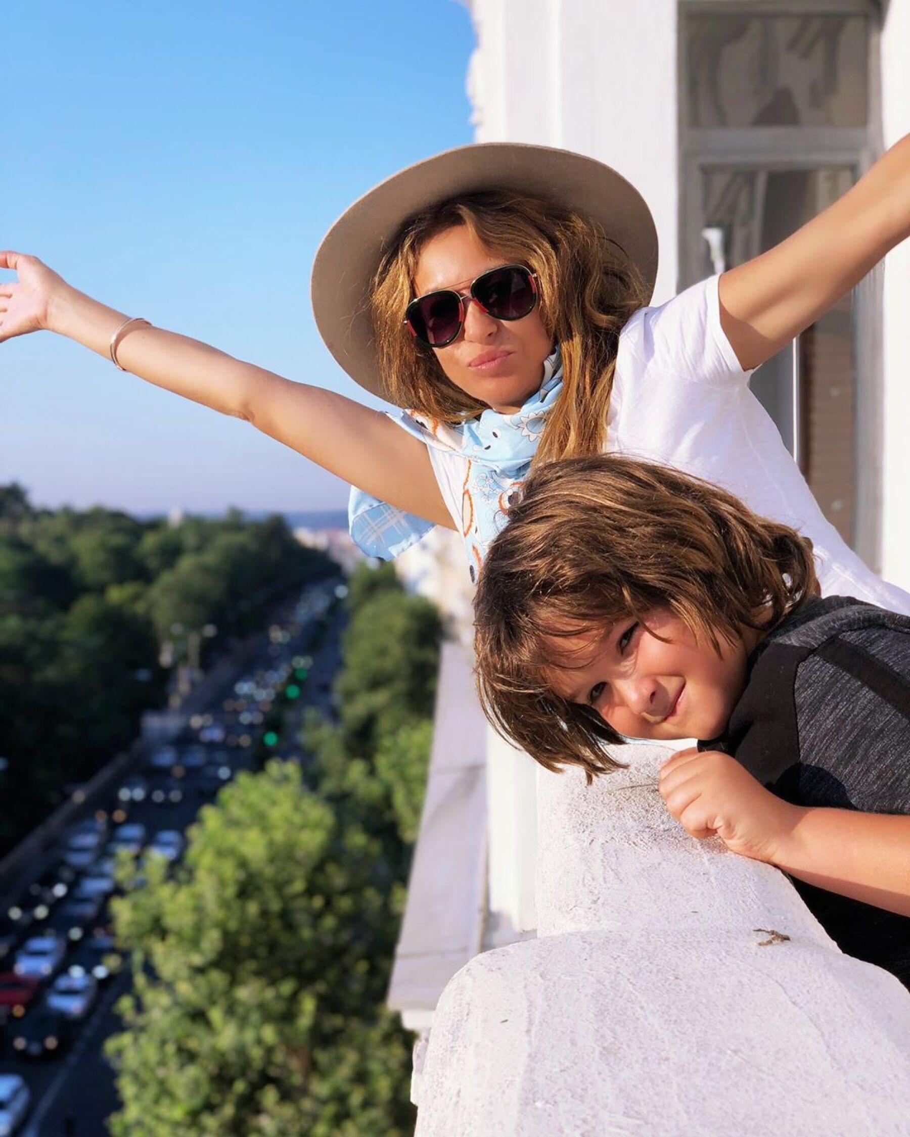 Paulina Rubio y su hijo Andrea Nicolás