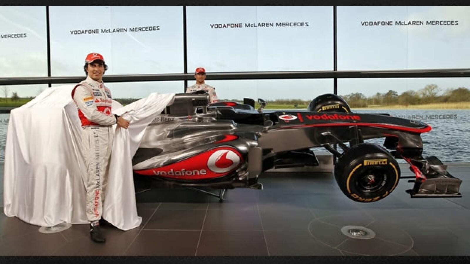 Checo Perez Jenson Button presentacion monoplaza