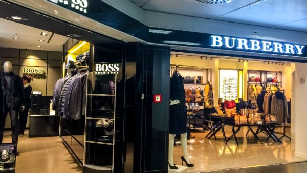 Boutiques Burberry y Boss
