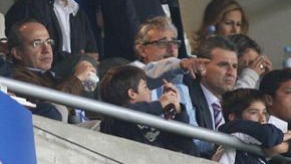 A pesar de que el presidente de México es aficionado del Morelia, les dio gusto a Luis Felipe y Juan Pablo, quienes le van al Pachuca, y acudieron en familia al estadio Hidalgo.