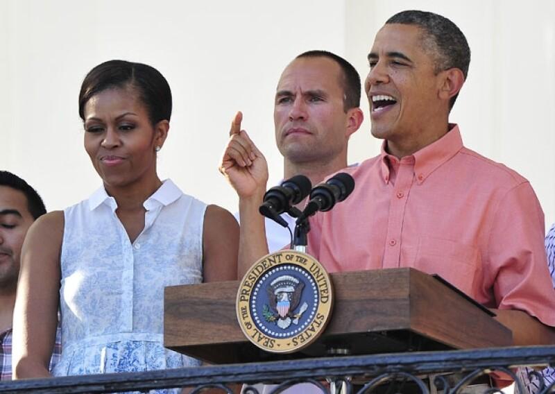 Tanto el presidente de EUA como la primera dama, recibieron en la Casa Blanca a miles de familias de militares al servicio del país, para celebrar el 4 de julio.