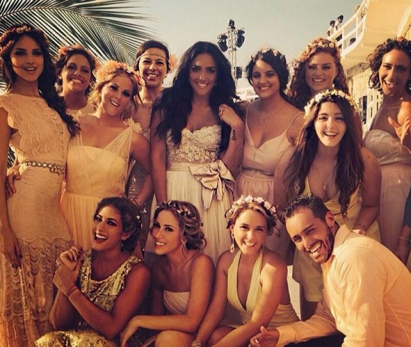 Eiza es una de las amigas más cercanas a Alessandra Rojo de la Vega, quien se casó con Emanuel Fridman el pasado fin de semana.
