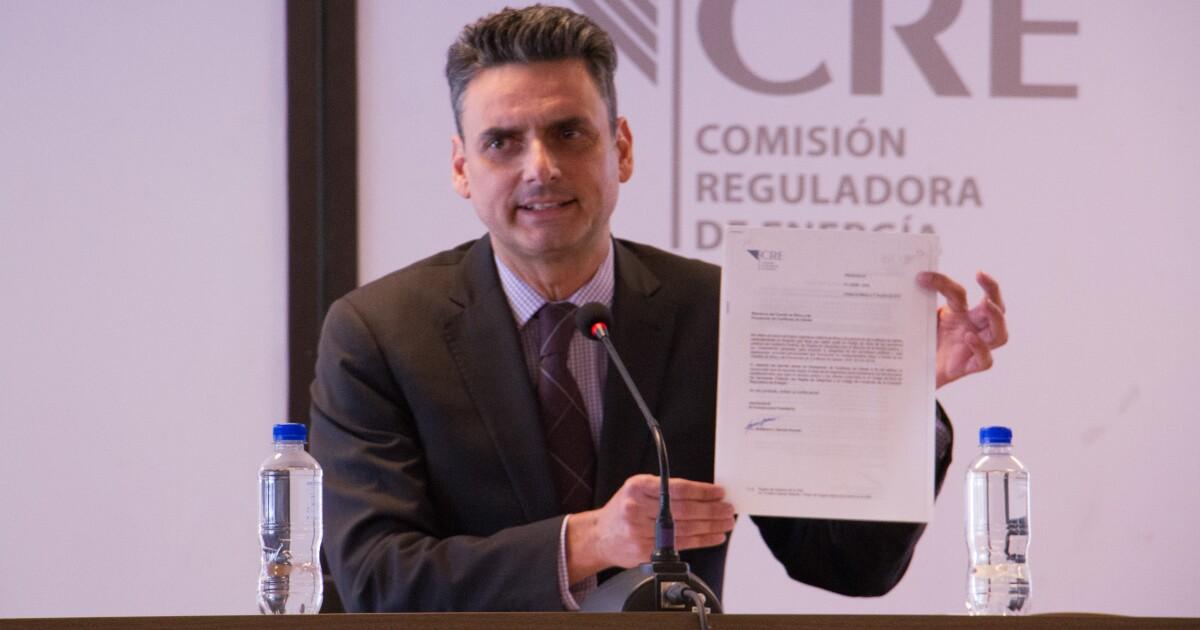 AMLO garantiza a presidente de regulador investigación sin persecución política