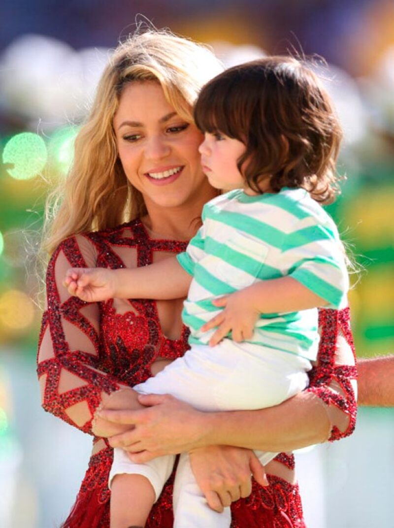Shakira ya con Milan en brazos en el Mundial de Brasil 2014.