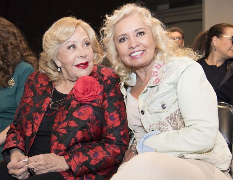 Silvia Pinal y Carla Estrada.