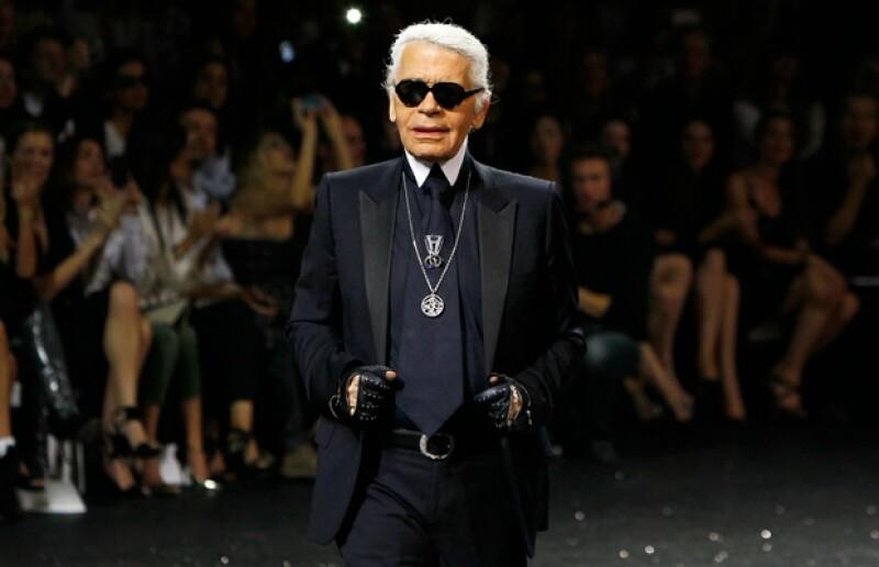 Karl Lagerfeld es director creativo de Chanel y Fendi.