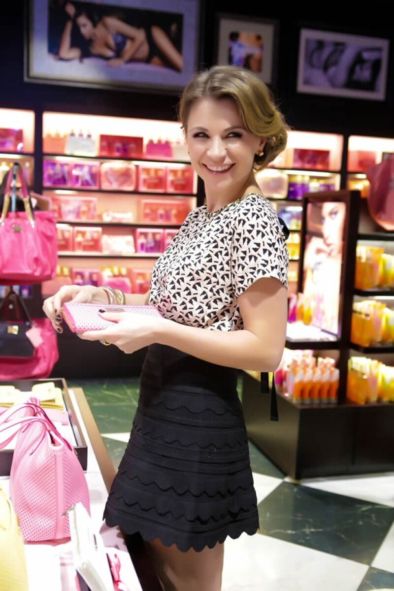 La actriz fue de las afortunadas que pudieron conocer antes que nadie la boutique de belleza y accesorios ubicada en Perisur.
