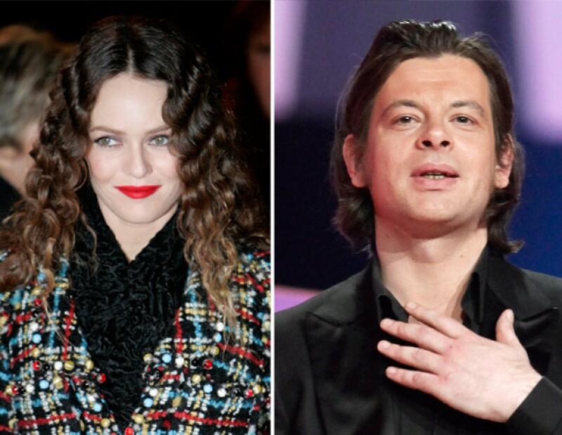 Se dice que despues de separarse de Johnny Depp, la cantante podría haber comenzado una relación con el músico Benjamin Biolay, a quien conoció por medio de Karl Lagerfeld.