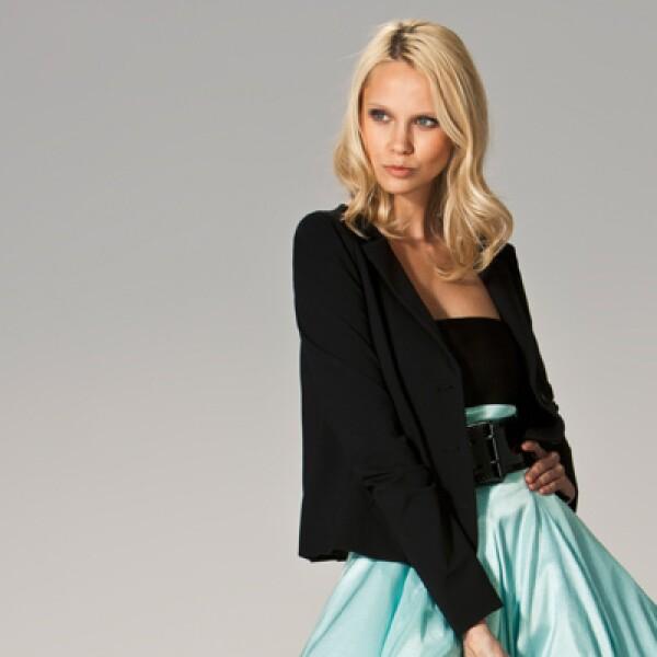 La firma italiana presentó su colección para la temporada primavera-verano 2011 con cortes elegantes, dobleces al frente y accesorios en los que predomina la piel.