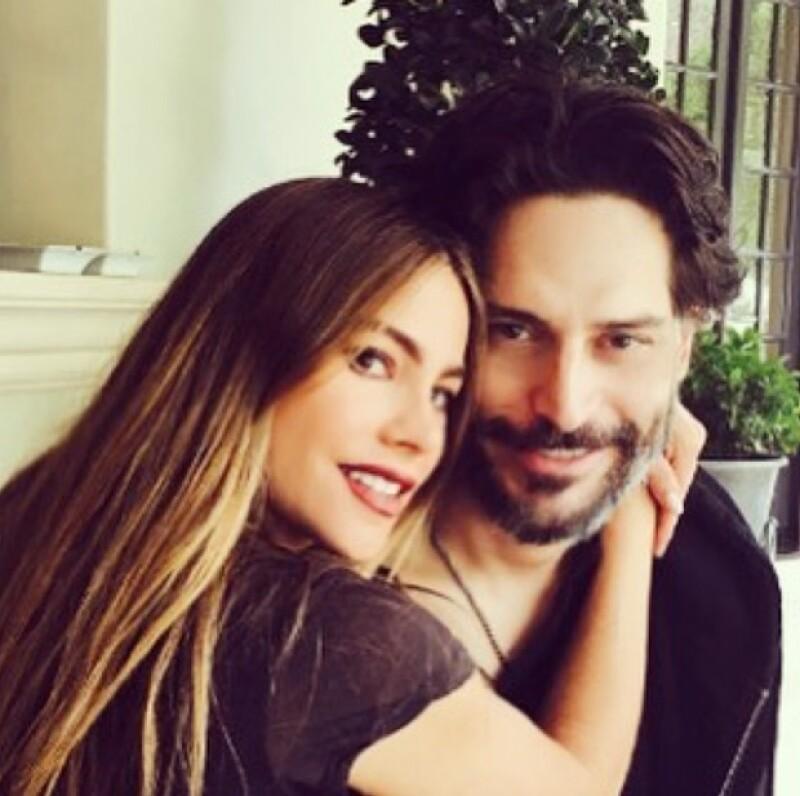 La actriz colombiana publicó en Instagram la primera imagen pública de su esposo desde que este se sometiera a una operación el mes pasado.