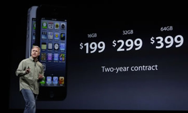 Apple promocionó el iPhone 5 como un aparato un 20% más liviano. (Foto: AP)