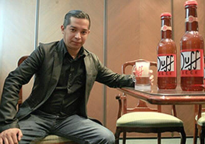 Rodrigo Contreras, quien tuvo la gran idea de sacar Duff de la televisión, espera vender 1,500,000 cajas de su bebida en el país, y 3,000,000 en Europa para este año. (Foto: Cortesía Duff)