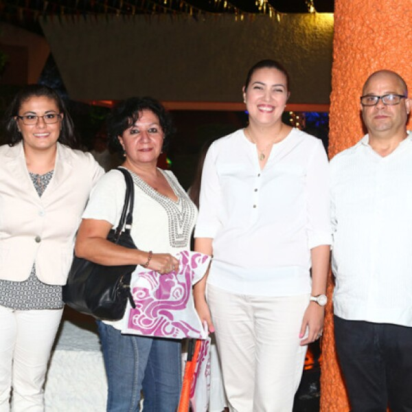 Nanci Lujano, Patricia Soto, Katy Risueño y Saúl Villa