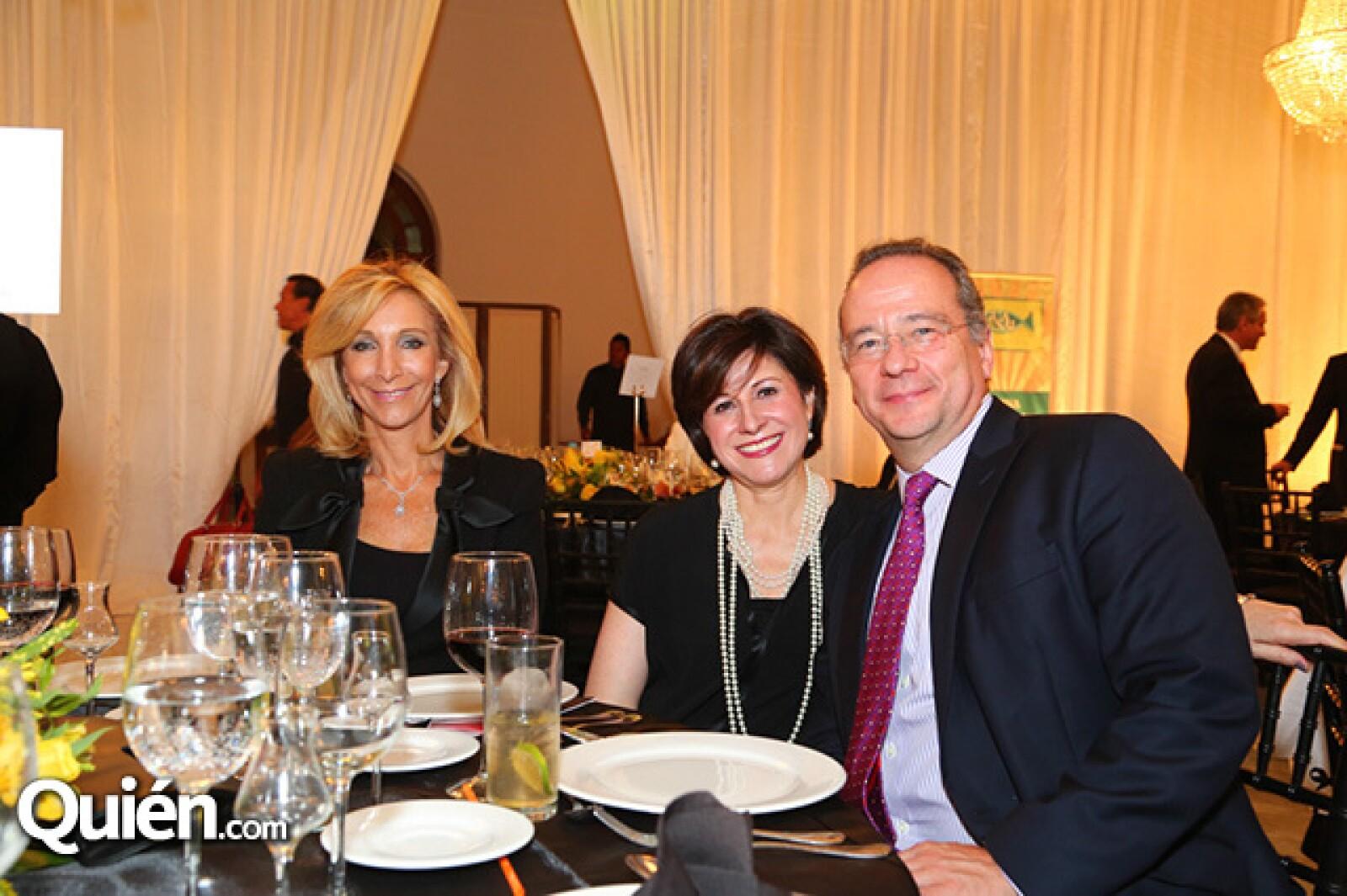 Clarisse Porteny,Viviana y Alberto Gómez