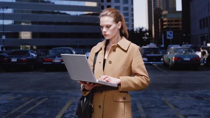 laptop spy hacker