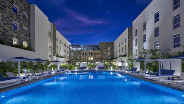 hotel-quintana-roo-cancun-aereopuerto-riviera-city-express-suites-fachada-1.jpg