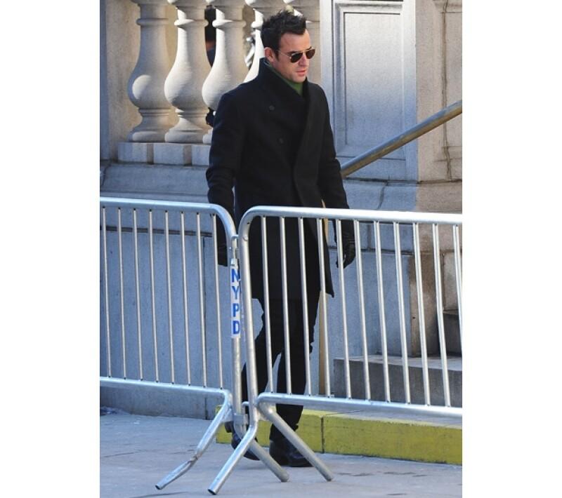 El actor llegó solo al funeral de su amigo Philip Seymour Hoffman.