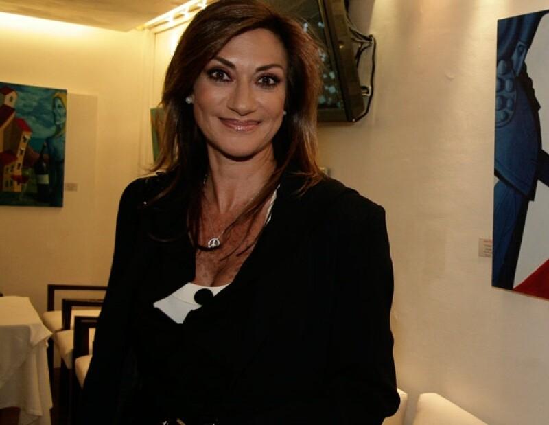 Adela Micha causó revuelo en Twitter por sus opiniones en apoyo a Enrique Peña Nieto.