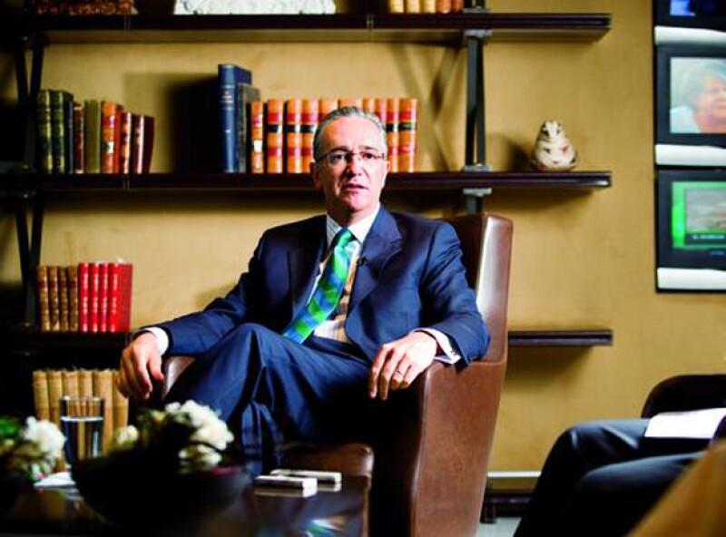 En este 2015, el empresario cayó del puesto 113 al 206 de la lista de los más ricos del mundo, de acuerdo a reportes de Bloomberg.