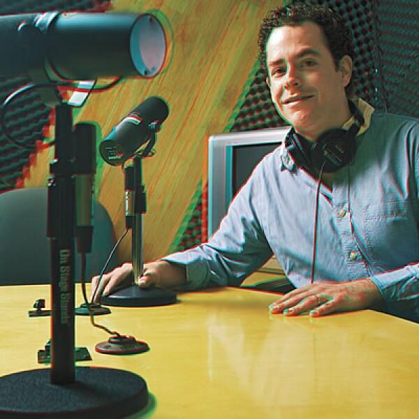 Andrés Cevallos, jefe de Comunicación Externa de Sanofi-Aventis. CAMPAÑA: Farmaceando. PRODUCTO: Programa de radio Farmaceando. AGENCIA. Wetback Audio.
