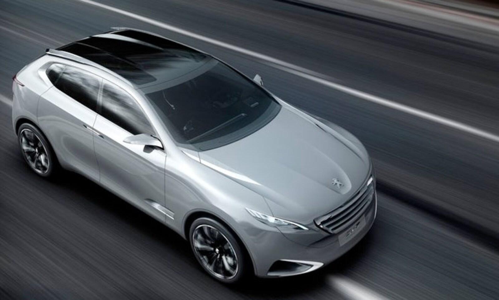Su velocidad máxima es de 250 kilómetros por hora (km/h).