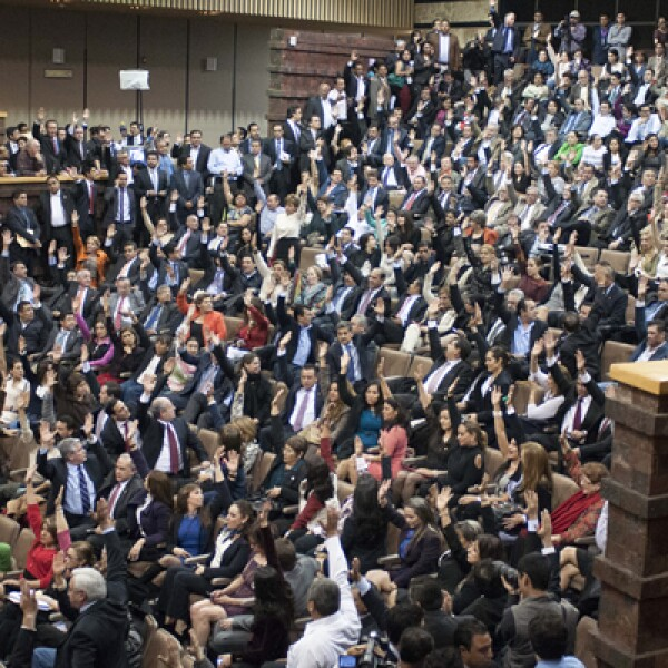 El pleno de la Cámara de Diputados aprobó la noche del miércoles la reforma energética en lo general.