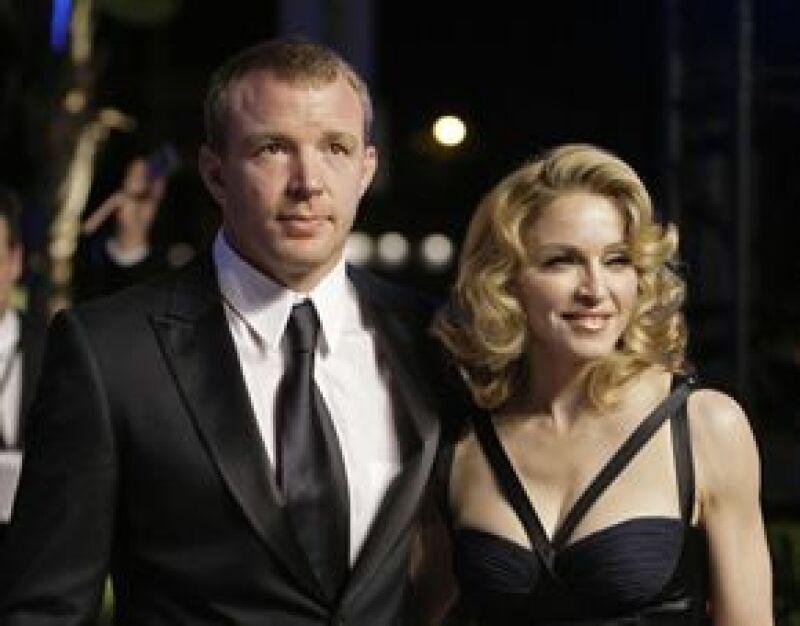 La Reina del Pop hizo que el cineasta firmara un convenio en donde le prohibía gritarle y establecía el número de relaciones sexuales que debía tener.