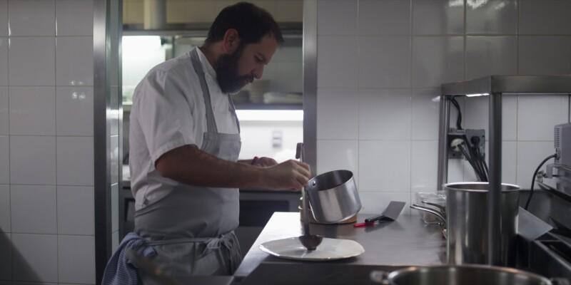 Olvera fue contactado por Netflix para participar en la segunda temporada de Chef's Table, donde cuenta su historia y algunos secretos de sus famosos platillos.