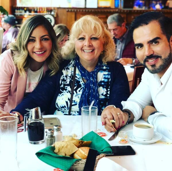 Mariana Ochoa, Yolanda Reyes y Octavio Ochoa
