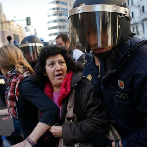 Hasta la mañana del miércoles, cerca de 50 personas han sido detenidas y 14 resultaron heridas en España.