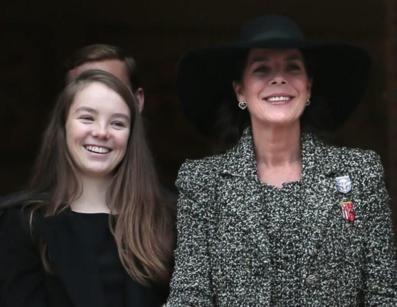La princesa Alexandra, que el domingo llegará a los 15 años, es la hija menor de Carolina de Mónaco y la única con título nobiliario. Aquí todo lo que tienes que saber de ella.