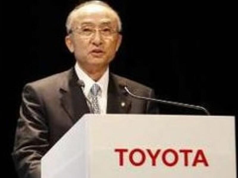 Katsuaki Watanabe, presidente de Toyota, previó que la debilidad mundial del mercado automotriz continuará. (Foto: Reuters)