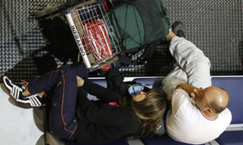 Los mexicanos se vieron impedidos para obtener visas temporales y hacer escalas en Estados Unidos tras los ataques. (Foto: AP)