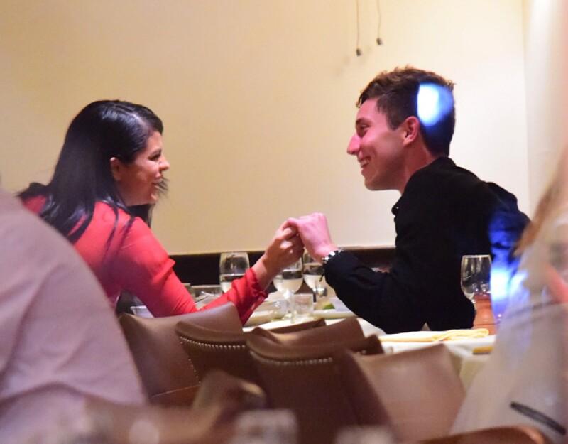 La cantante fue fotografiada cenando con Samuel Krost en Nueva York, donde demostraron que se entienden muy bien entre ellos.