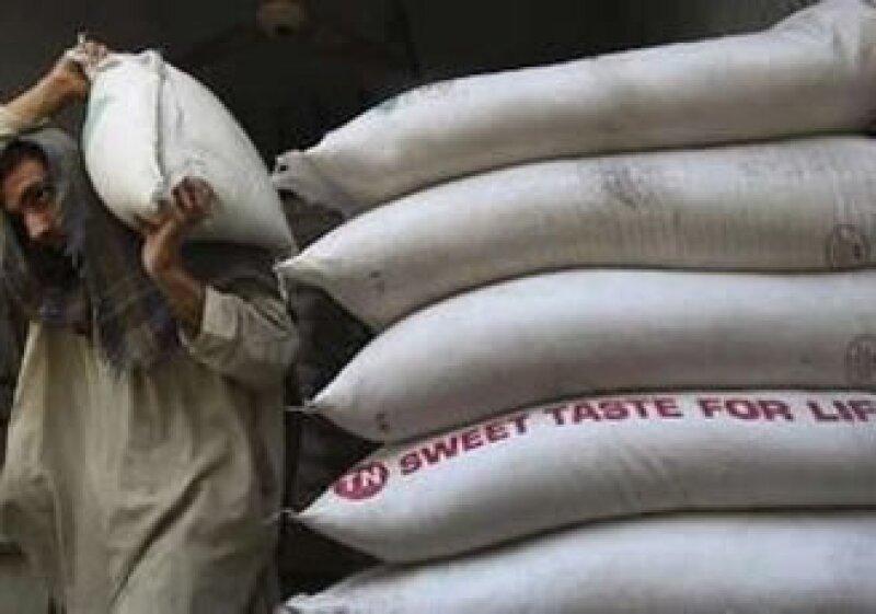 El bulto de azúcar refinada bajará 33.2%, dijo Economía. (Foto: Reuters)