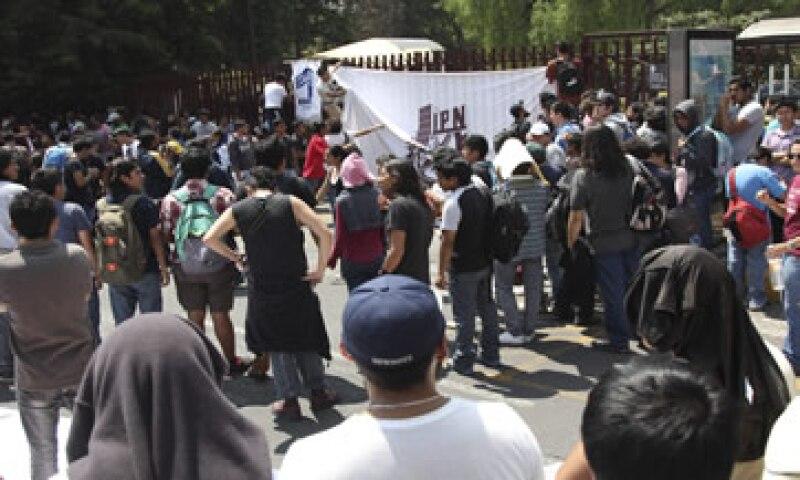 Los estudiantes aseguran que las nuevas disposiciones atentan contra sus derechos educativos. (Foto: Cuartoscuro)