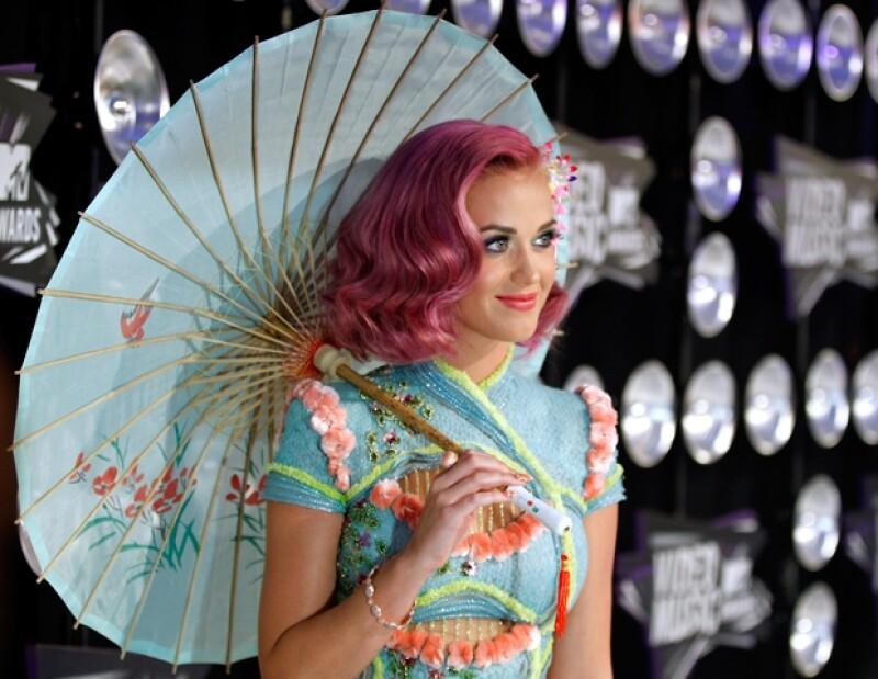 En 2001 Katy Perry lanzó su primer album como solista de gospel.